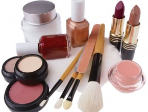 Expired-Cosmetics-Put-Womens-Health-At-Risk